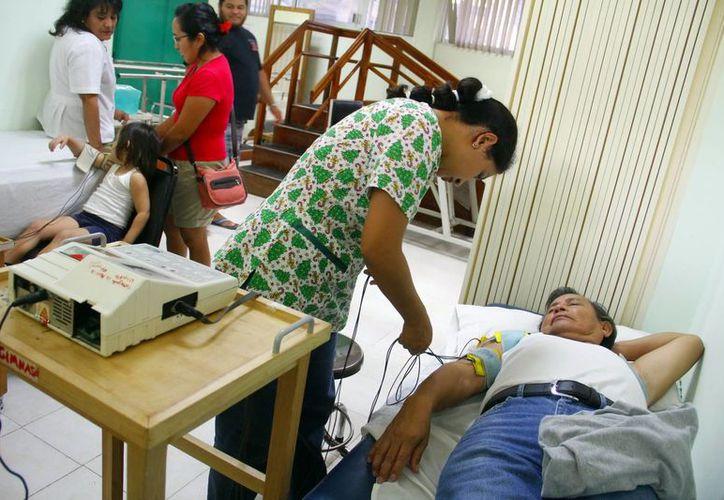 """Un censo encontró a 989 personas con discapacidad en 10 municipios de Yucatán. A los que pasaron el primer """"filtro"""" se les convocó para hacerles una evaluación y verificar quiénes realmente tienen un proceso discapacitante y quiénes no. (Milenio Novedades)"""