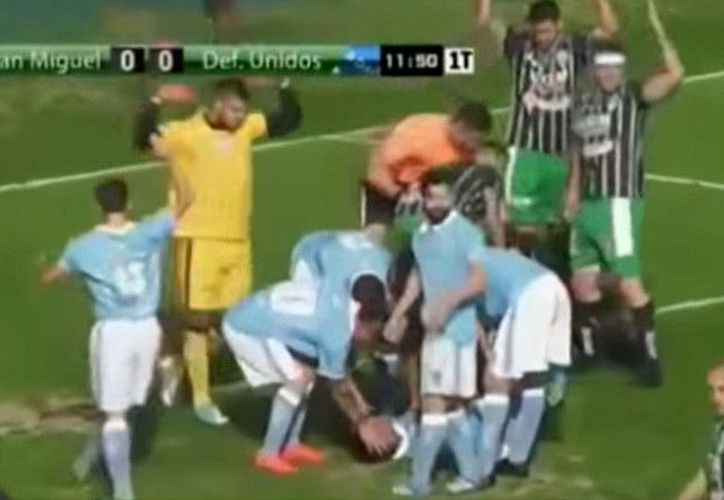 El árbitro fue elogiado por los asistentes y el cuerpo técnico. (Contexto)
