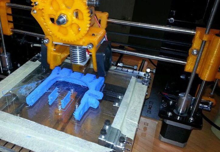 La empresa Sekai Tech utiliza la impresora 3D, Prusa i3. (Licety Díaz/SIPSE)
