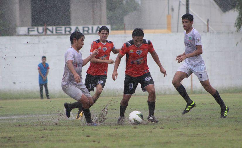 El segundo tiempo será reprogramado por la Federación Mexicana de Fútbol, y los gastos de la visita de Dragones correrán por cuenta del conjunto chetumaleño. (Miguel Maldonado/SIPSE)