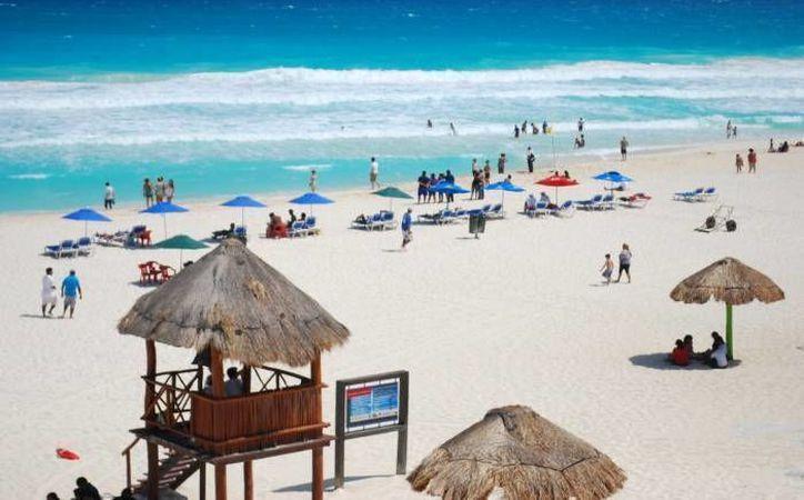 Las playas del Caribe mexicano atraen a miles de turistas. (Redacción)