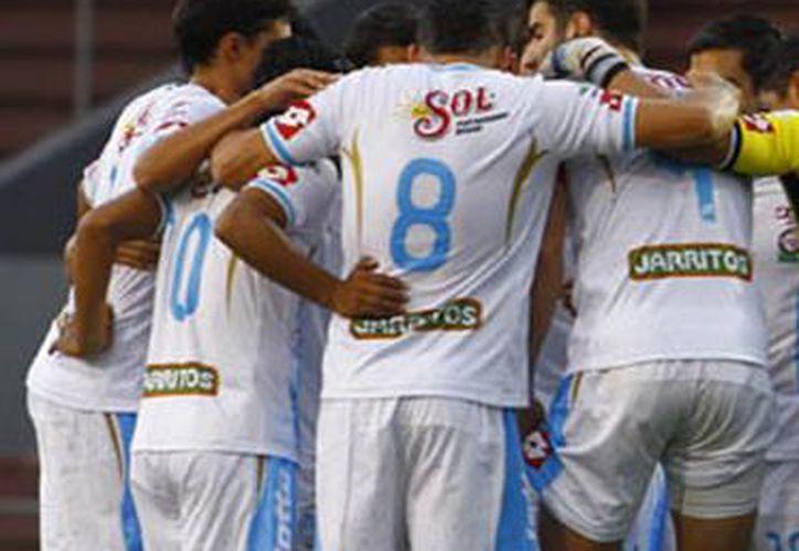 Los jugadores del CF Mérida lograron un cuarto lugar general que deben hacer valer este jueves. (Milenio Novedades)