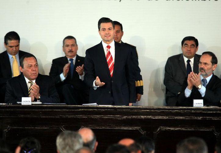 Peña Nieto afirmó que el ingreso, permanencia y promoción de los docentes no estarán sujetos a criterios discrecionales. (Reforma)