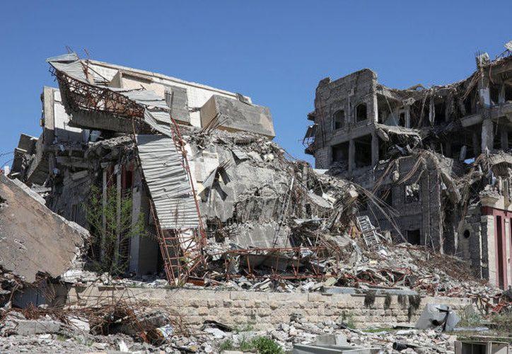 Las evidencias de las pruebas de armas químicas en humanos fueron halladas en el edificio de la Universidad de Mosul, en ruinas. (RT)
