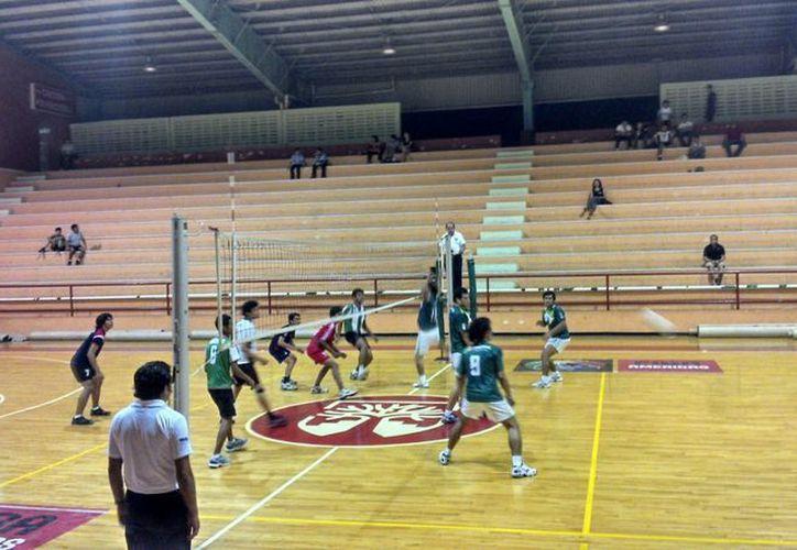 Actuación del equipo motuleño en la Copa Yucatán de voleibol. (SIPSE)
