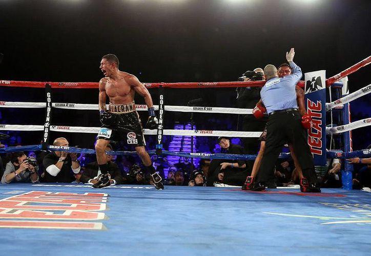 En 11 rounds, 'Alacrán' Berchelt venció al capitalino Francisco Vargas en pelea por el título superpluma del CMB.  (Imágenes: Inside HBO Boxing/ GoldenBoyBoxing/ Twitter)