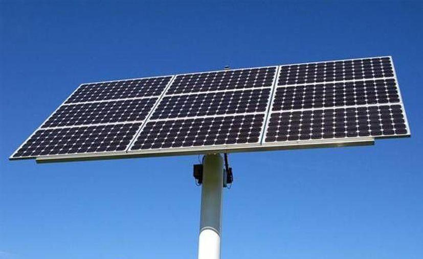 El proyecto incluye la producción de energía eléctrica a partir de paneles solares. (Internet)