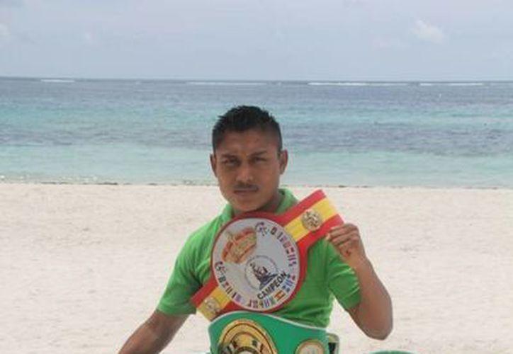 El pugilista es uno de los ídolos de Puerto Morelos, pero sobre todo de los quintanarroenses. (Redacción/SIPSE)
