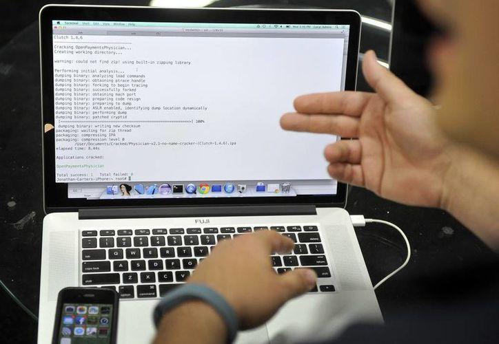 La Policía Federal convocó a distintas instituciones de gobierno, legislativas, académicas y organizaciones de la sociedad civil, entre otras para reforzar la seguridad en Internet. (Archivo/AP)