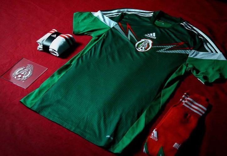 El uniforme que la Selección de México utilizará durante el Mundial Brasil 2014. (planetf1.com)