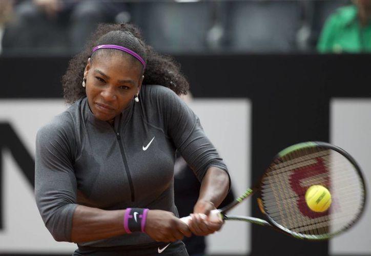 Serena Williams consiguió el título del Abierto de Roma,  exactamente una semana antes de que inicie el Abierto de Francia. (AP)
