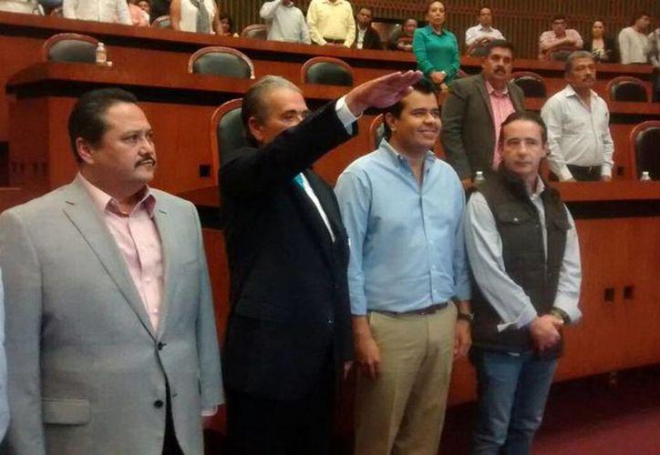 El abogado Javier Olea al momento de rendir protesta como Fiscal de Guerrero.(twitter.com/JaimeGarcia309)