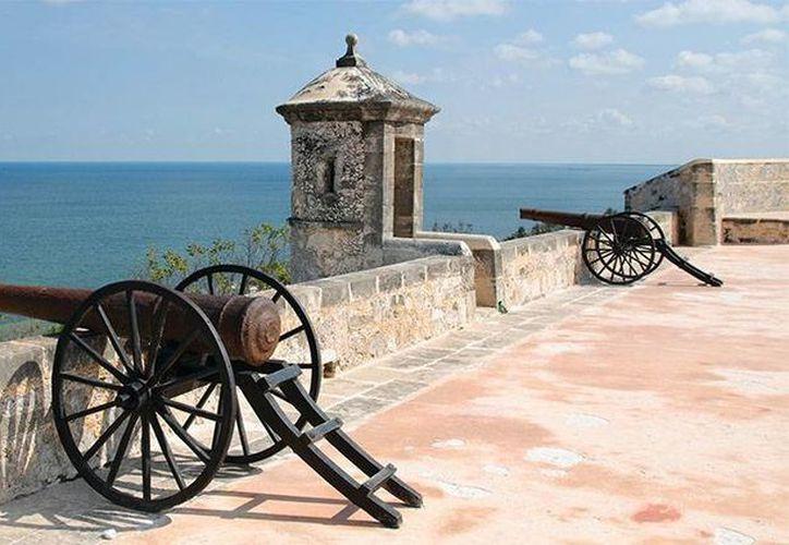 Campeche aún conserva gran parte de la muralla que protegía a la ciudad. (passionpre.com)