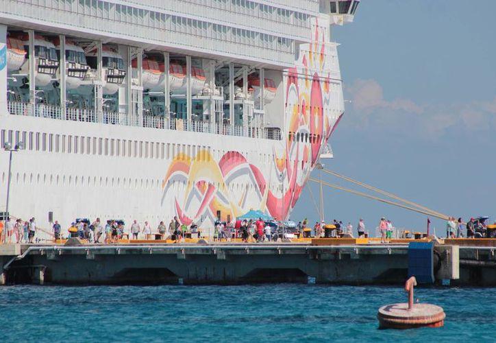 Cozumel busca hacer historia y recuperar el liderato en ser el mejor destino de turismo de cruceros en México. (Gustavo Villegas/SIPSE)
