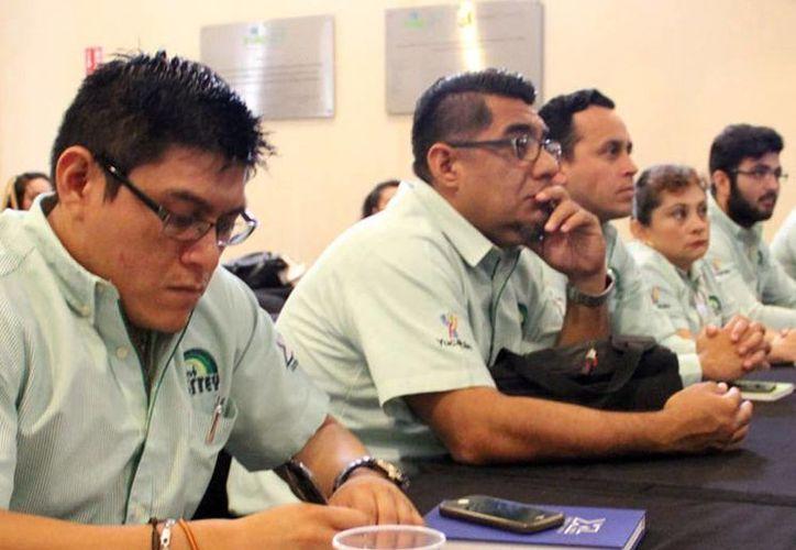 Burócratas fueron capacitados por instructores expertos del Centro de Formación en Transparencia, Acceso a la Información y Archivo Público (Cedai). (Milenio Novedades)