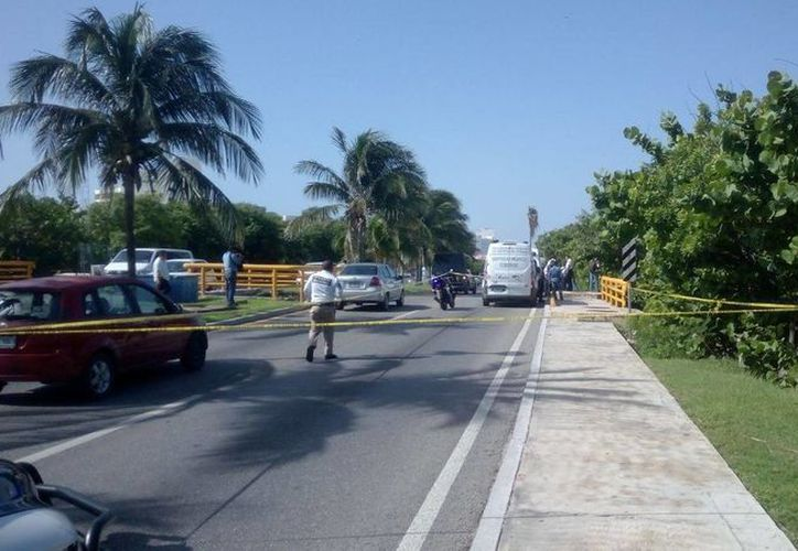 El cuerpo de emergencias se encargó de acordonar el área. (Eric Galindo/SIPSE)