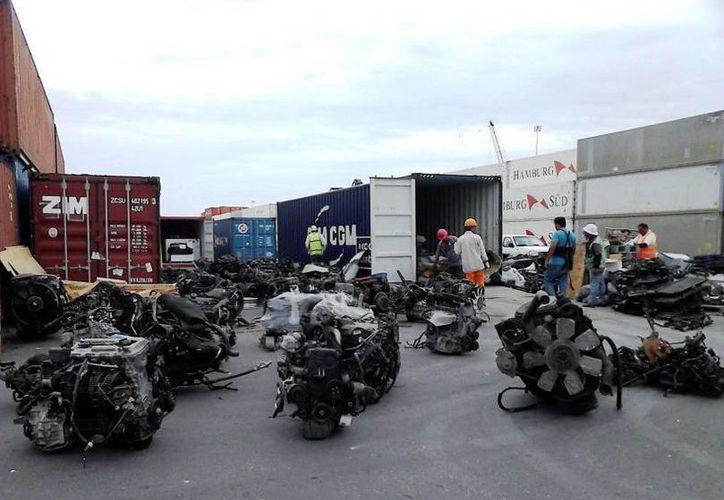 Imagen de los motores que fueron decomisado en Progreso por parte de la Profepa. (Milenio Novedades)
