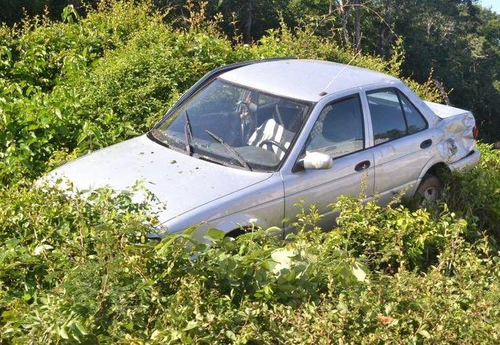 Testigos manifestaron que en el tramo del accidente no había señalamientos preventivos. (Redacción/SIPSE)