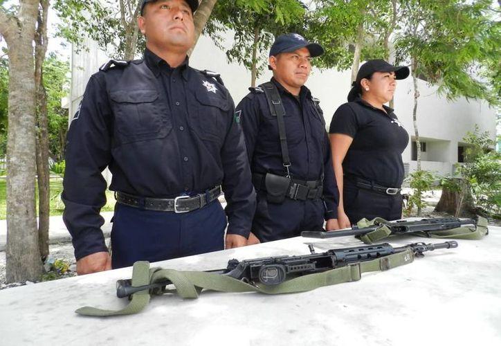 En total fueron 90 elementos de la Policía Municipal Preventiva (PMP). (Licety Díaz/SIPSE)