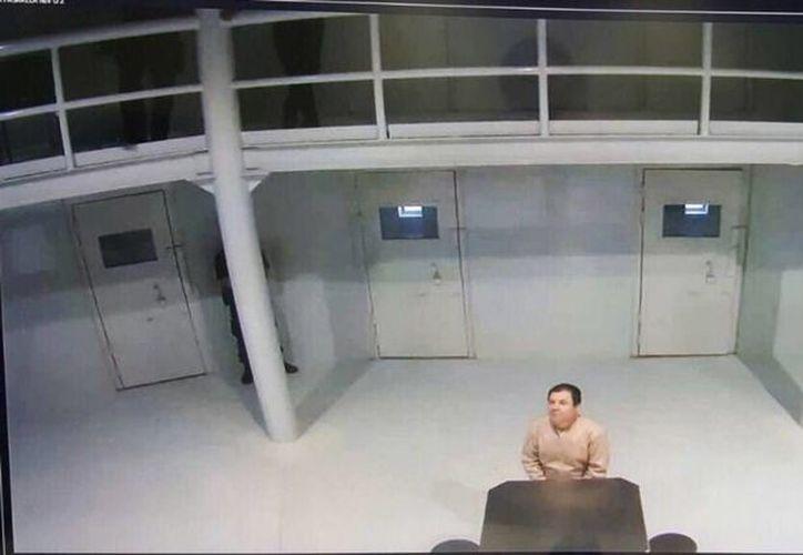 Joaquín Guzmán Loera <i>El Chapo</i>, en la prisión de Ciudad Juárez, en imagen difundida por el Gobierno Federal. (PGR)