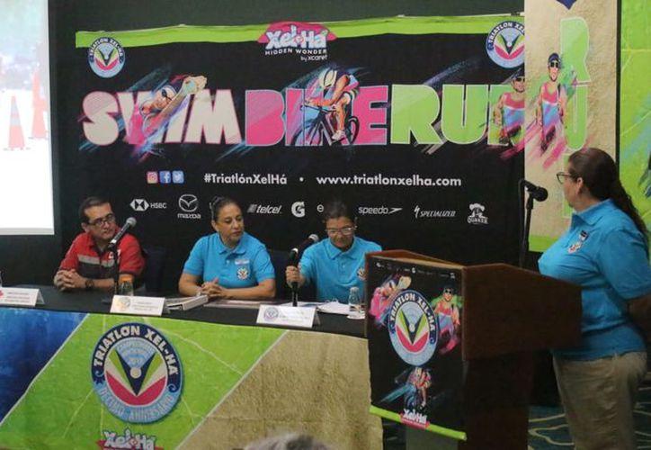Ayer se realizó la invitación a este evento deportivo inolvidable. (Raúl Caballero/SIPSE)
