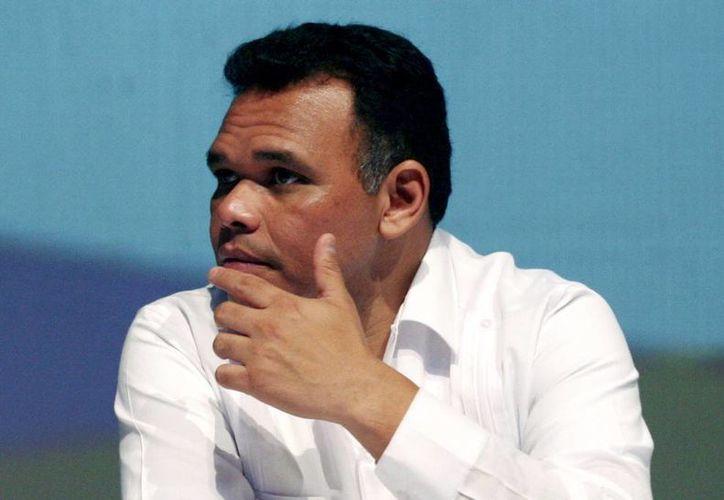 Rolando Zapata Bello anunció una reestructuración del organigrama, entre cuyos cambios principales destacan los nuevos puestos de Sedesol, FGE y Coespo, entre otros. (Milenio Novedades)