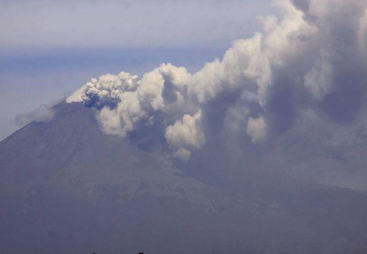 El volcán no ha cambiado de fase, sigue en la misma (amarilla 2). (Notimex)