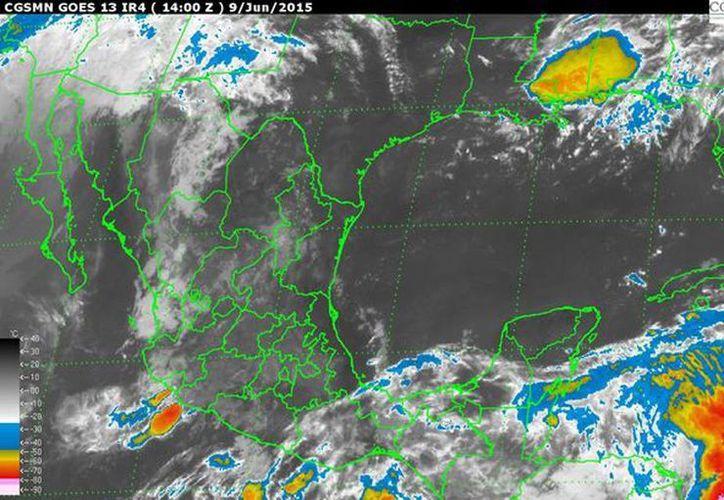 En la Península de Yucatán se prevé clima medio nublado, potencial de lluvias fuertes de 80 por ciento en Yucatán y Quintana Roo, y de menor intensidad en Campeche. (smn.conagua.gob.mx)