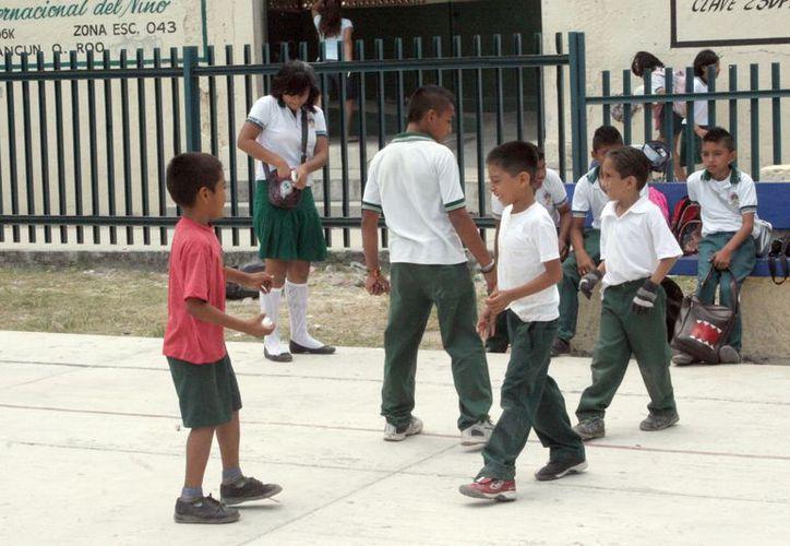 Mega puente deja sin clases a 292 mil 643 alumnos de Educación Básica en el estado. (Tomás Álvarez/SIPSE)