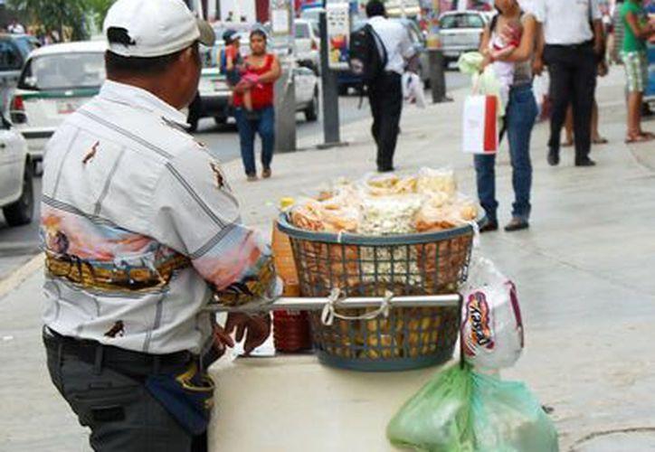 Depuran el padrón de vendedores ambulantes en el municipio. (Tomás Álvarez/SIPSE