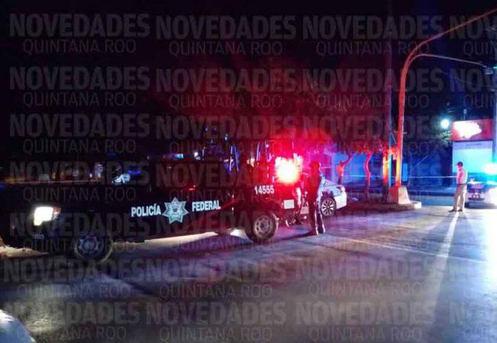Las autoridades policíacas acordonaron la zona de los hechos. (Redacción)