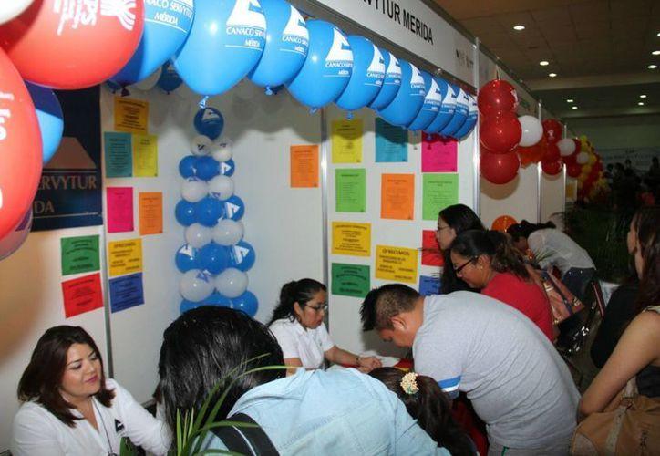 Inauguran la Feria del Empleo para jóvenes en las instalaciones de la  Cámara Nacional de Comercio Servicios y Turismo de Mérida (Canaco-Servytur). (Jorge Acosta/SIPSE)