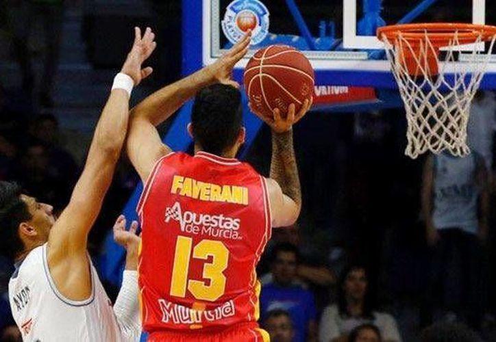 El Real Madrid de basquetbol en el que juega el mexicano Gustavo Ayón ganó al Valencia y calificó a la final al ponerse 3-1 arriba en la serie. (24-horas.mx)