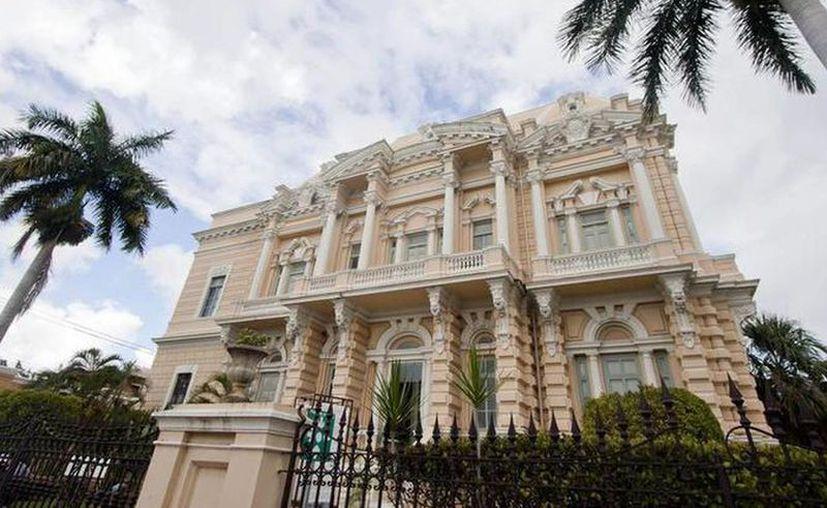 """El Museo Regional de Antropología """"Palacio Cantón"""" recibe en promedio al año un total de 85 mil visitantes. (Archivo/Sipse)"""