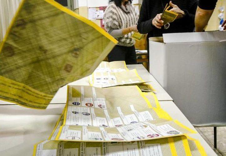 Los partidos 'anti sistema' lograron la mayoría para intentar formar gobierno. (AP)