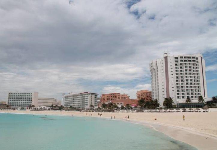 El sector hotelero tendrá que aumentar sus tarifas en un 5 por ciento. (Archivo/SIPSE)