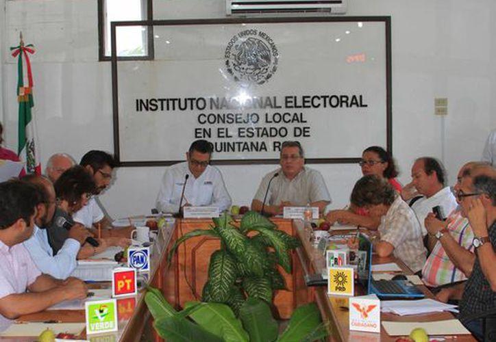 El INE entregará al Instituto Electoral de Quintana Roo (Ieqroo) productos como el encarte. (Ángel Castilla/SIPSE)