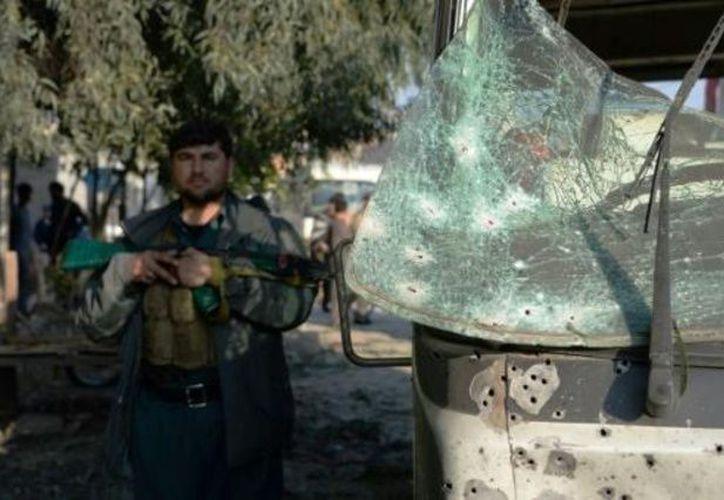 Atacante suicida detonó su chaleco explosivo en Afganistán. (AFP).
