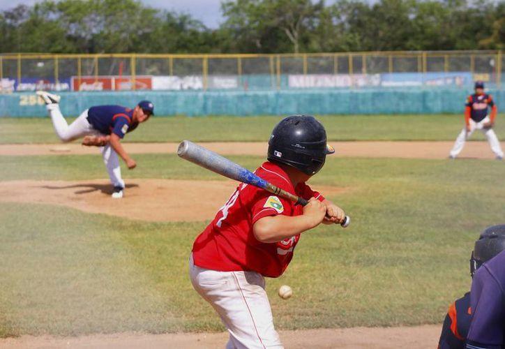 El nuevo prospecto olmeca, Daniel Nuñez, tiene 14 años y juega para los Indios en la Liga Yucatán de béisbol. (Milenio Novedades)