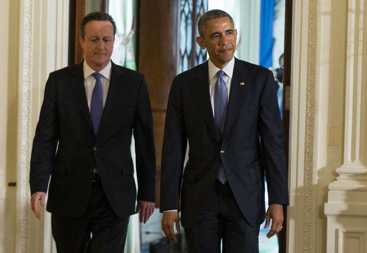 David Cameron y Barack Obama indicaron que sus naciones enfrentan serias amenazas de seguridad. (AP)