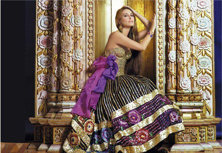 El diseñador mexicano identifica sus creaciones en la colección de la venezolana. (Foto: Twitter/@armandomafud)