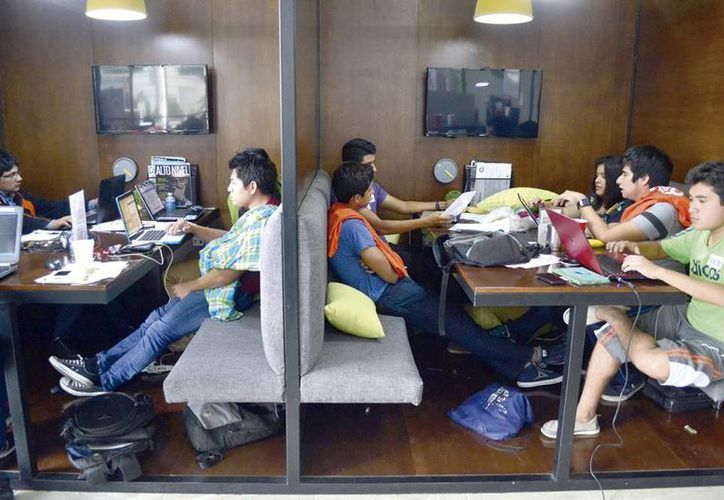 IYEM y Mayan Capital Fund organizan la convocatoria The Pitch. Imagen de contexto de algunos emprendedores. (Milenio Novedades)