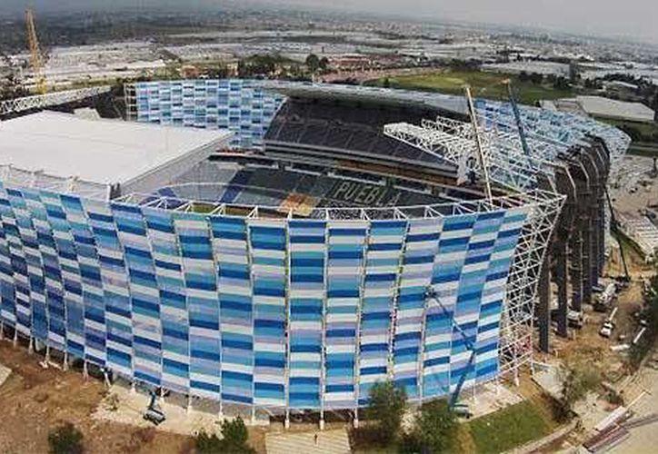Vista del estadio Cuauhtémoc tras su remodelación. El recinto agrandó su capacidad para recibir de 42 mil a 50 mil aficionados. (pulsoslp.com)
