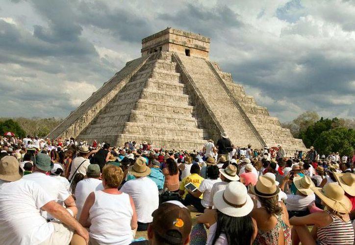 Chichén Itzá, ciudad maya que tiene una de las 7 Maravillas del Mundo Moderno, es la zona arqueológica preferida de Yucatán, con más del 70 por ciento de los visitantes. (Milenio Novedades)