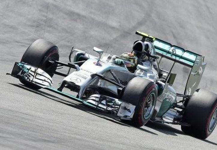 Nico Rosberg tuvo un tiempo de un minuto, 16,540 segundos en el circuito Hockenheimring. (AP)