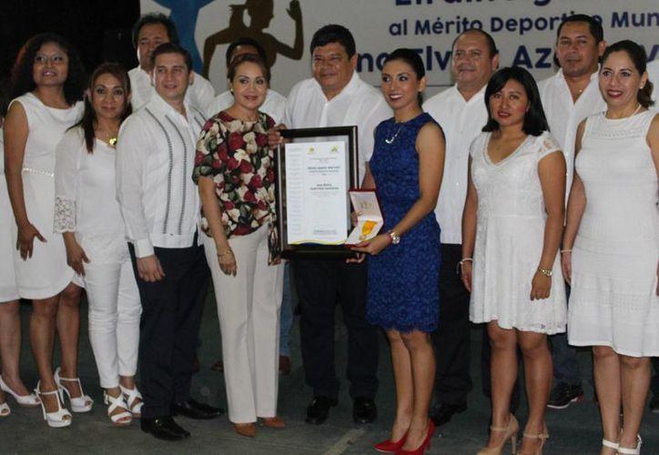 La atleta chetumaleña agradeció el reconocimiento de su esfuerzo. (Miguel Maldonado/SIPSE)
