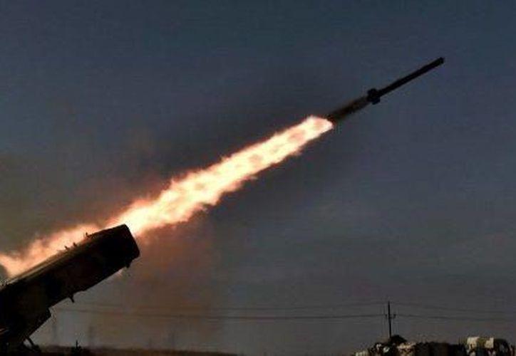 El lanzamiento forma parte de ejercicios conjuntos contra las pruebas de Corea del Norte. (Aris Messinis)