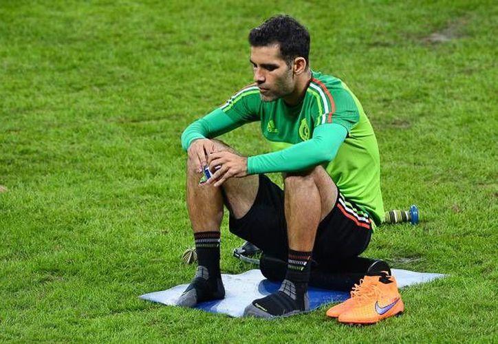 El jugador del Hellas Verona podría ser baja con la Selección Mexicana, si su pierna derecha no se recupera antes del diez de octubre, día del encuentro contra Estados Unidos. (Archivo de Mexsport)