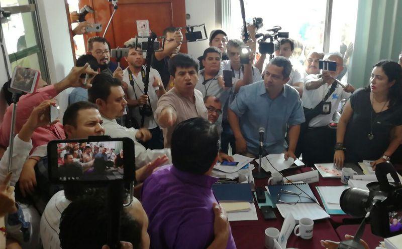 Los representantes de los partidos se lanzaron acusaciones. (Adrián Barreto/SIPSE)