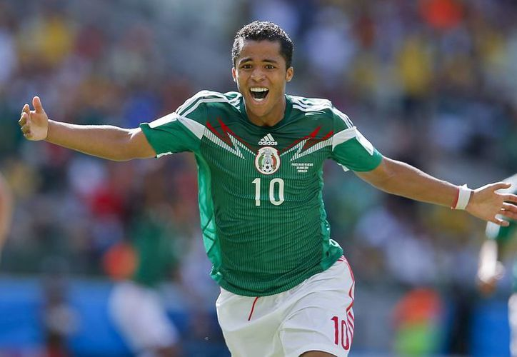 Gio celebra el gol que ponía adelante a México sobre Holanda. (Foto: AP)